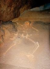Настоящий скелет девушки майя Actun Tunichil Muknal, чьим именем названа пещера.