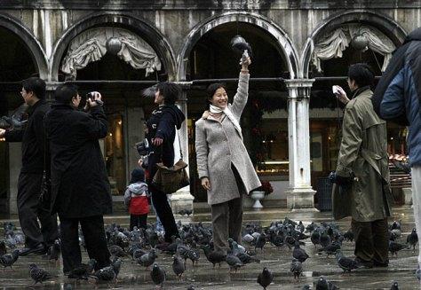 Туристы и голуби. Piazza San Marco.