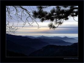 Закат в горах Сьерра Невада.