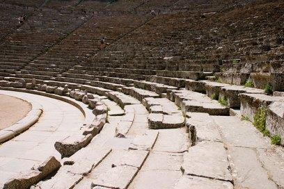 Ряды сидений в театре Эпидаврос (Epidavros).