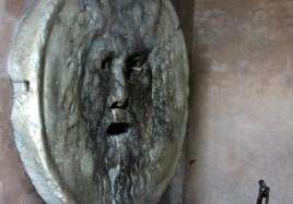 Уста правды (Bocca della Verita).