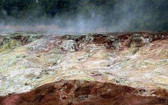 Серные берега. Какой там аромат! :) Hawai'i Volcanoes National Park.