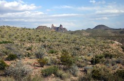"""Скала """"Ослиные уши"""" в пустыне Chihuahuan Desert."""