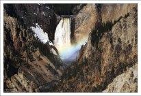 Водопад Lower Yellowstone Falls.