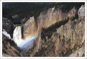 Большой каньон Йеллоустоуна составляет в длину примерно 39 км.