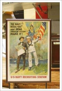 Плакат времен 2-й Мировой войны из пункта по найму летчиков ВМФ. Музей National Naval Aviation Museum.