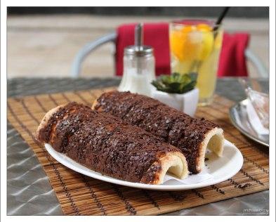 Венгерский кюртёшкалач с шоколадом.