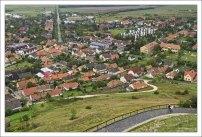 В хорошую погоду с высоты крепости можно разглядеть даже береговую линию Балатона.