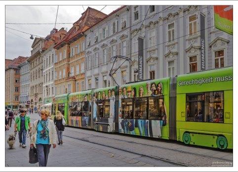 Все трамвайные линии Граца проходят через Херренгассе.
