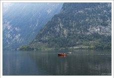 Прогулка на лодке по озеру Hallstätter See.