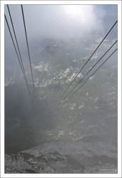 Подъем на высоту 2060 метров к дому-убежищу на горе Krippenstein.