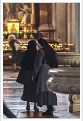 Монахини в Зальцбургском соборе.