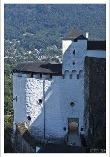 Крепость Зальцбурга - одна из крупнейших из целиком сохранившихся средневековых крепостей Европы.