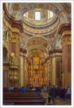 Интерьер монастырской церкви.