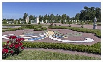 Вид на Нижний сад с террасы Большого дворца.