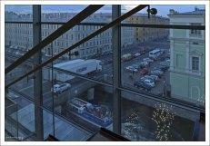 Вид из Мариинского-2 на улицу Декабристов.