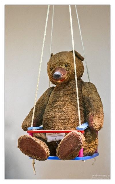 """Самый большой медведь, производившийся в СССР. Этот мишка – 1967 года рождения, почти ровесник здания """"Детского мира""""."""