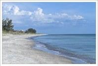 Длинные пляжи, один за другим, на острове Longboat Key.