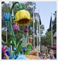 Tinker Bell - фея из сказки Дж. Барри «Питер Пэн».