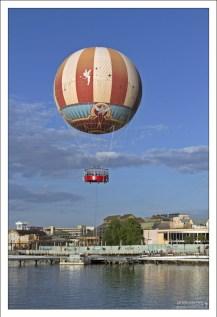 Гелевый воздушный шар поднимает гостей на высоту 120 метров. Билет $20.