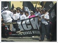 "Девиз шествия: «BLACK: be loving and cease killing"" – «Любите и прекратите убивать»."