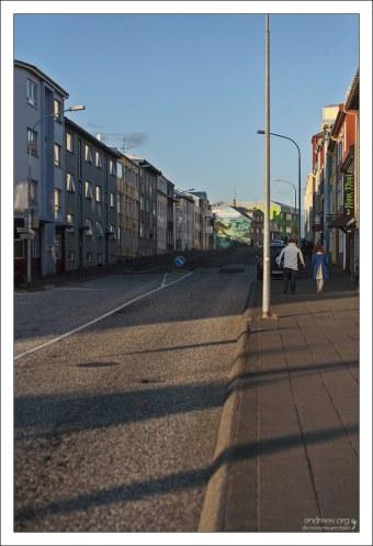 Типичная столичная улица.