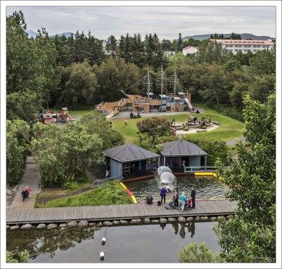 Парк семейного отдыха, открыт в 1990-м году.