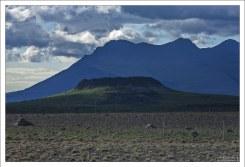 60-метровый кратер Eldborg. Последний раз извергался 5000 лет назад.