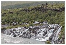 Хрёйнфоссар - лавовый водопад.