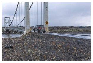 Автомобильный мост через реку Jökulsá.