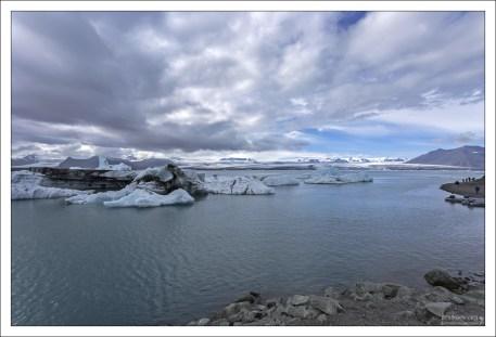 Лагуна Йёкюльсаурлон расположена в юго-восточной Исландии.