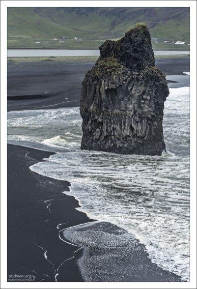 Базальтовые скалы Dyrhólaey.