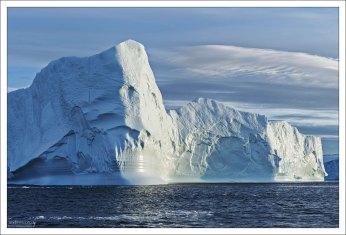 Как будто отполированное основание айсберга.