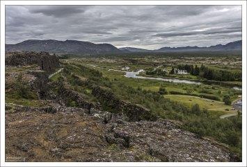 Ти́нгведлир (исл. Þingvellir) — долина в юго-западной части Исландии.