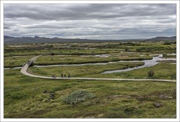 По парку Тингведлир протекает река Эхсарау (исл. Öxará).