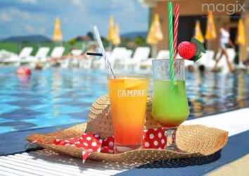 hotel-romanita-piscina-exterioara-baia-mare