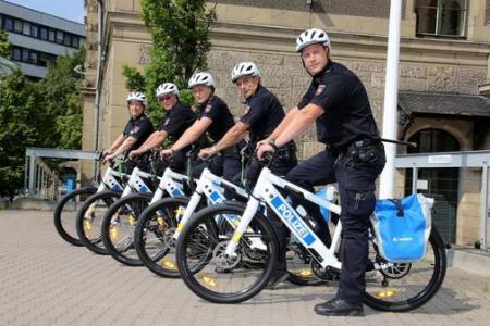 politie-pe-bicicleta-germania