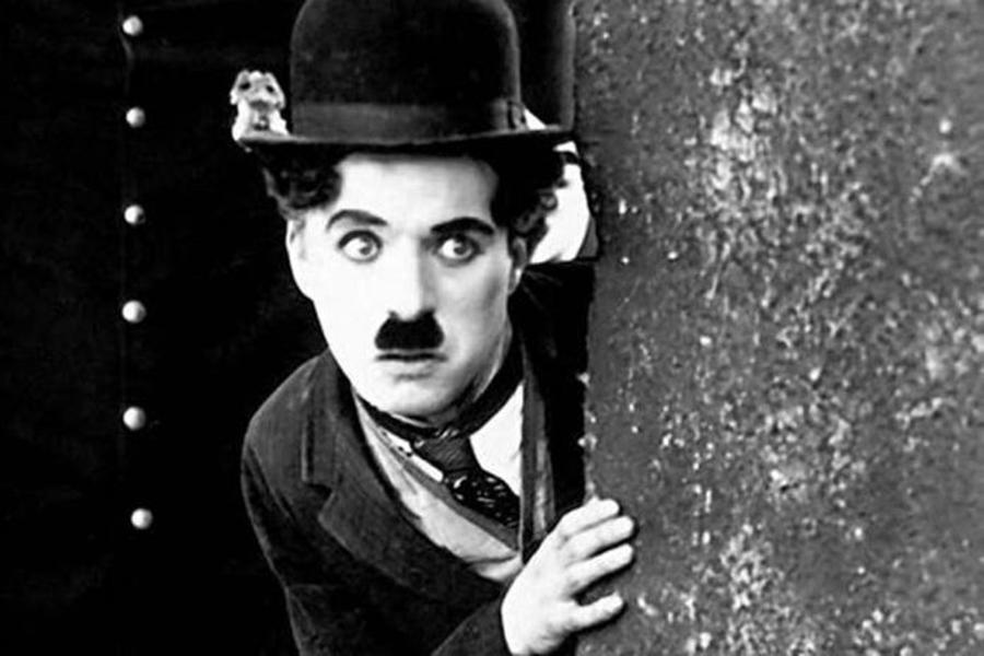 """""""Nu am fost un înger, dar am încercat să fiu OM. Încearcă și tu!"""" Lecția de viață EMOȚIONANTĂ a lui Charlie Chaplin: Azi este rândul tău! Eu voi muri, tu îți continui viața"""