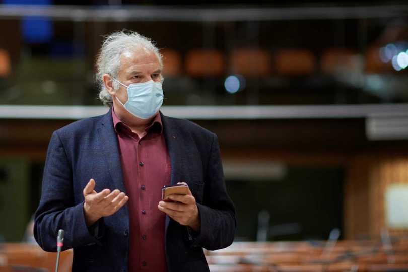 Andrej Hunko in der Parlamentarischen Versammlung des Europarates am 22.06.2021 - Foto von Sandro Weltin