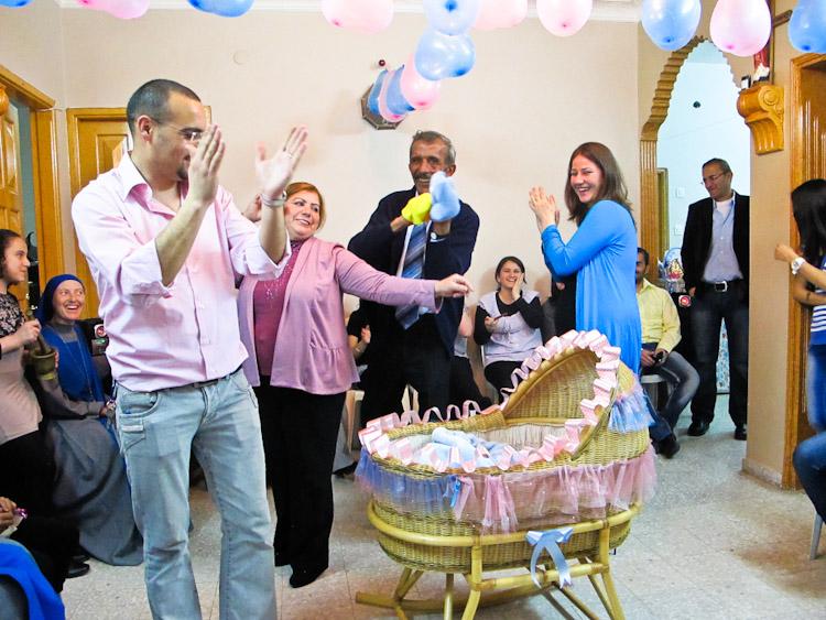 Fouad ed Ester: è festa di Pasqua a Gaza