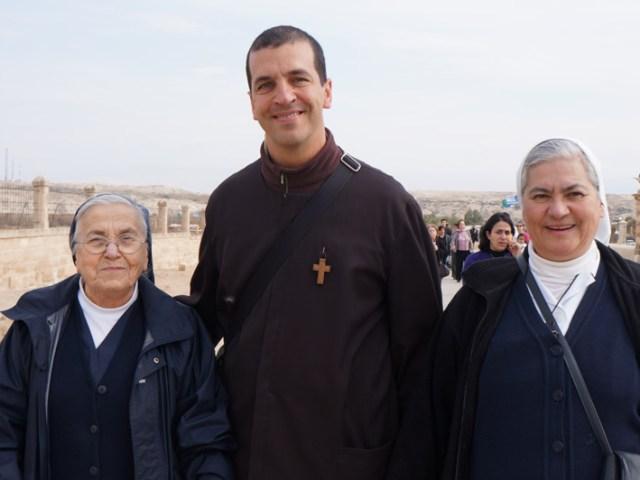 Amici vip al Battesimo nel fiume Giordano