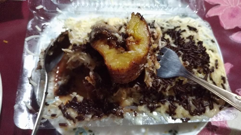 Dibungkus: Pisang Keju Cokelat Sunda Raos (Simpang Dago)