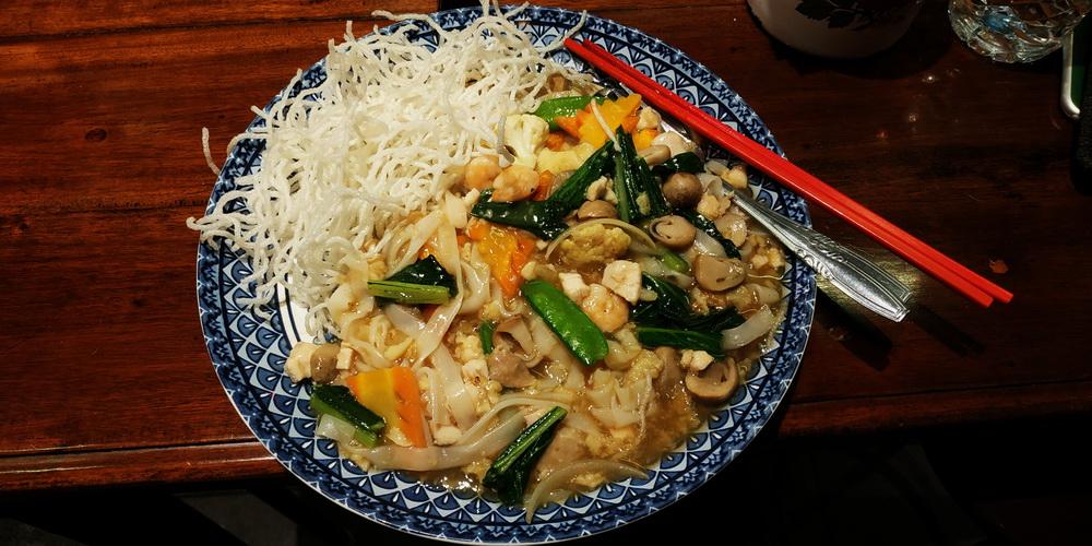 Makan Malam di Sagoo Kitchen 23 Paskal