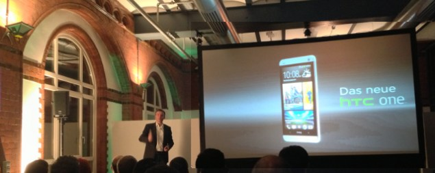 André Lönne, Executive Director HTC DACH präsentiert in Hamburg das HTC ONE