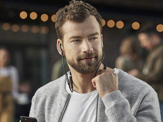 Best Headphones Under $200 in 2020 17