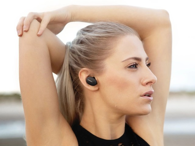 Bose Sport Earbuds Black Lifestyle