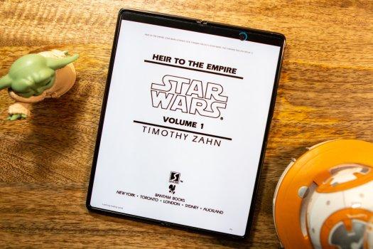 Amazon Kindle App Z Fold 2 Lifestyle