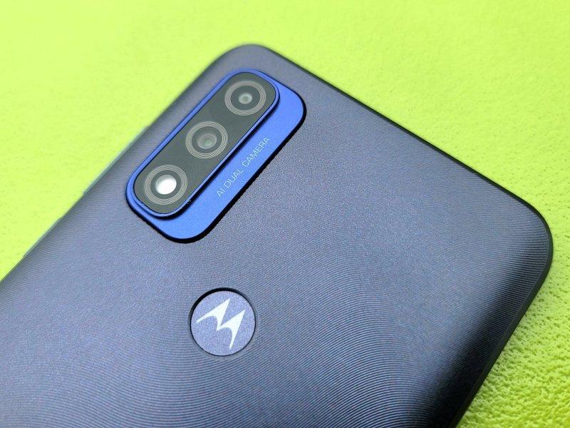 Moto G Pure Review Cameras