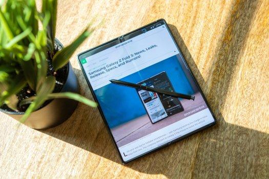 Samsung Galaxy Z Fold 2 S Pen Lifestyle