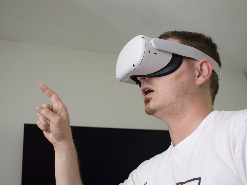Oculus Quest 2 Playing Hand Tracking